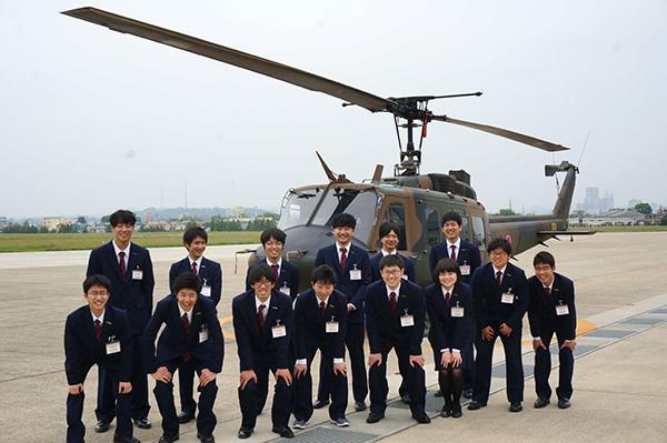陸上自衛隊霞目駐屯地研修 航空機整備科 東日本航空専門学校